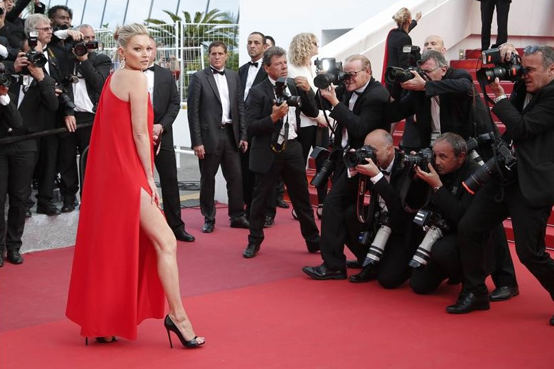 cannes film festival coverage hands of stone cast photocall press conference red carpet 2016. Black Bedroom Furniture Sets. Home Design Ideas