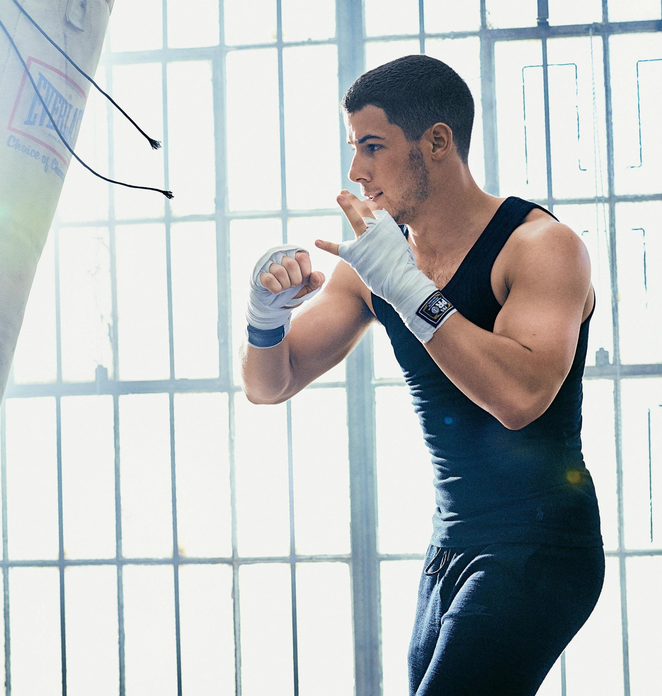 MENS-FITNESS-Nick-Jonas-by-Peter-Yang.-December-2016-www.imageamplified.com-Image-Amplified5_thu.jpg