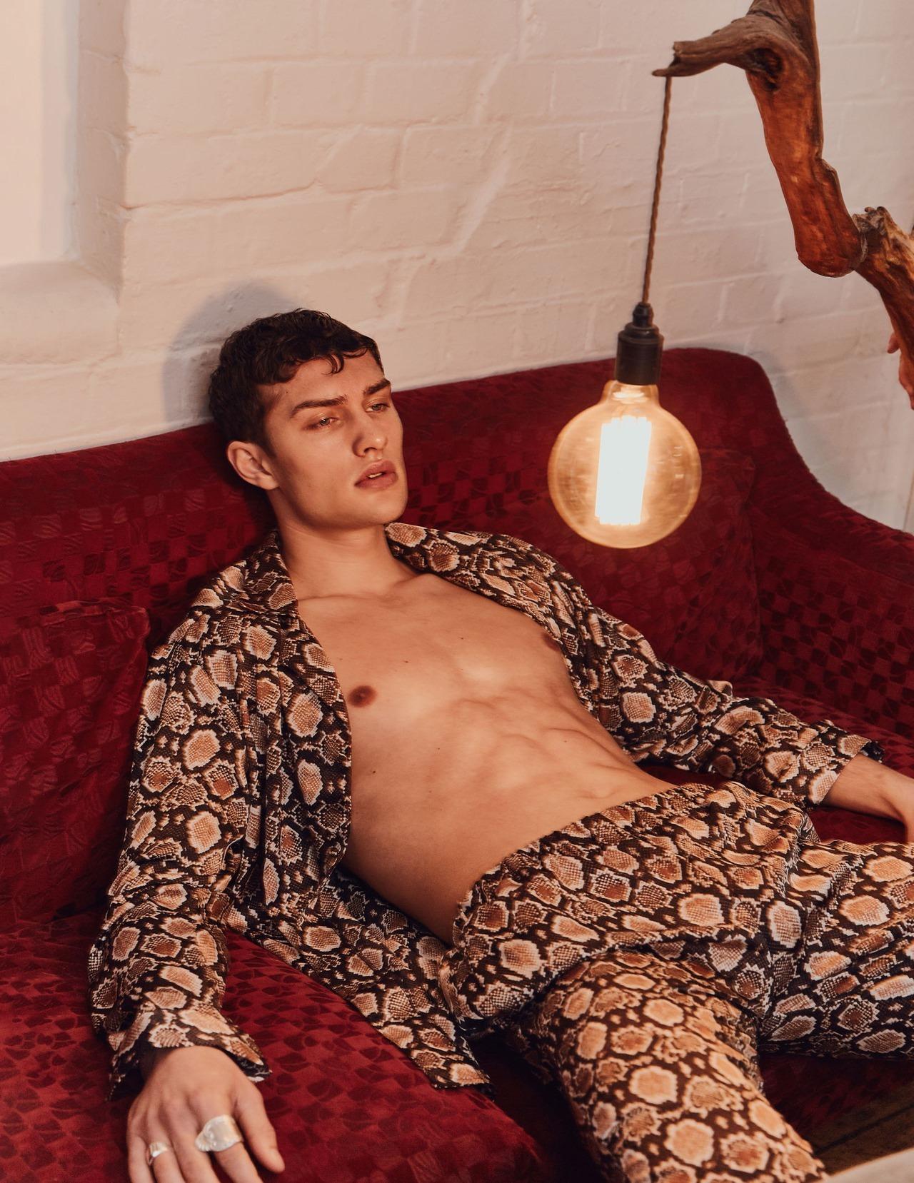 Ana Alonso Desnuda desnudo paul strumtom buck – image amplified